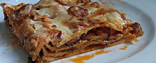 Barfuß-Lasagne, serviert