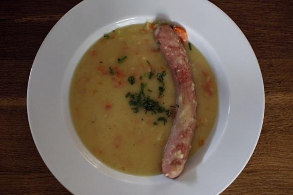 Kartoffelsuppe mit Wurst (Foto: phew)